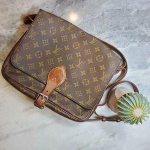 💯 AUTHENTIC 💕 💕 Louis Vuitton Cartouchiere GM